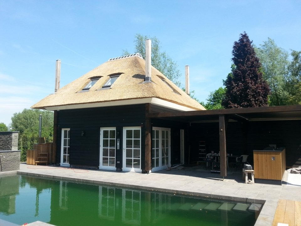Poolhouse 01